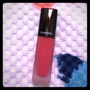 Chanel rouge allure ink 142